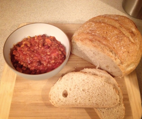 Hearty Turkey Chili and bread